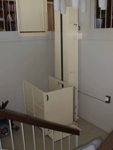 Macs PL90 porch wheelchair lift